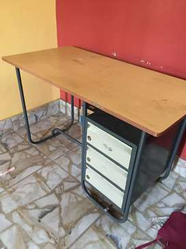 Office cum computer table for sale.