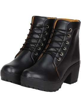 Women black boots - footwear for women's