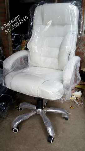 All kinds of office furniture available here