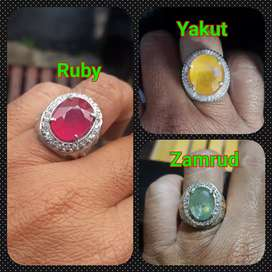 Natural ruby, yakut dan zamrud