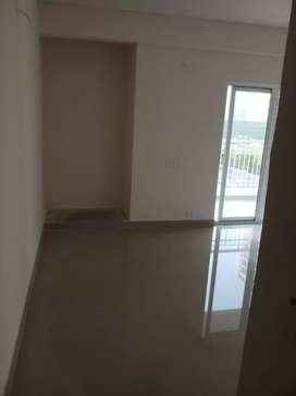 3 bhk with 2 TOILETS unfurnished flat available on rent