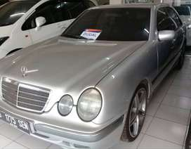 Mercedes Benz E260 Auto matic 2001