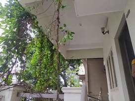Female roommate needed in Panampilly Nagar at just ₹2800 in 2 sharing