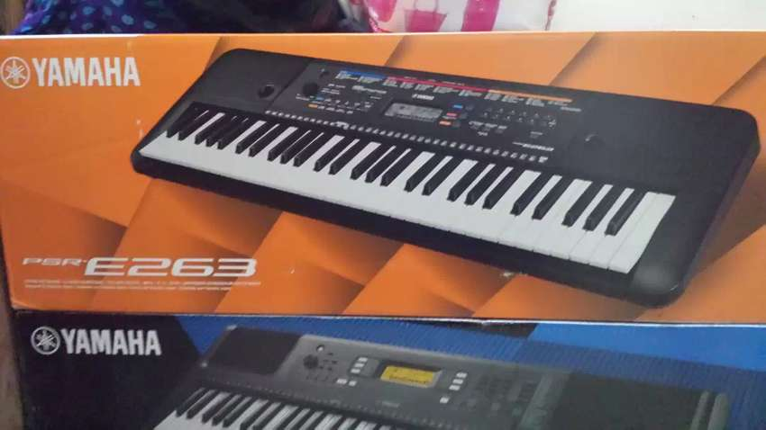 Yamaha psr E263 61 keys keyboard 0