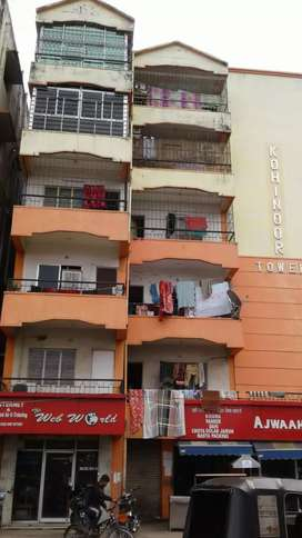 Whole unit of Kohinoor tower , 3bhk flat 6th floor with car parking