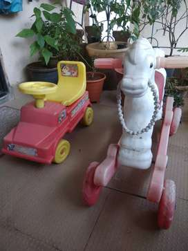 Truck and horse in toys