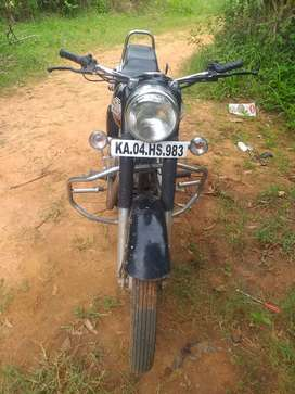 1984 royal Enfield good condition  350 cc black colur  signal hand for