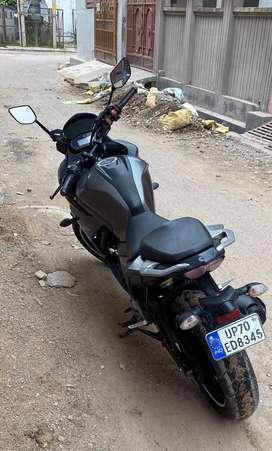250 cc bike with decent mileage