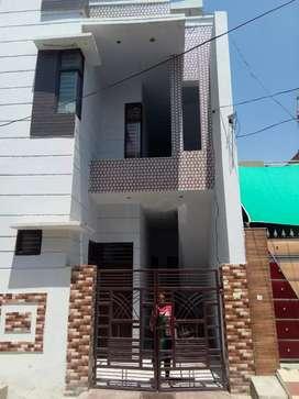 Pars ram nagar gali no 6 near mother india school