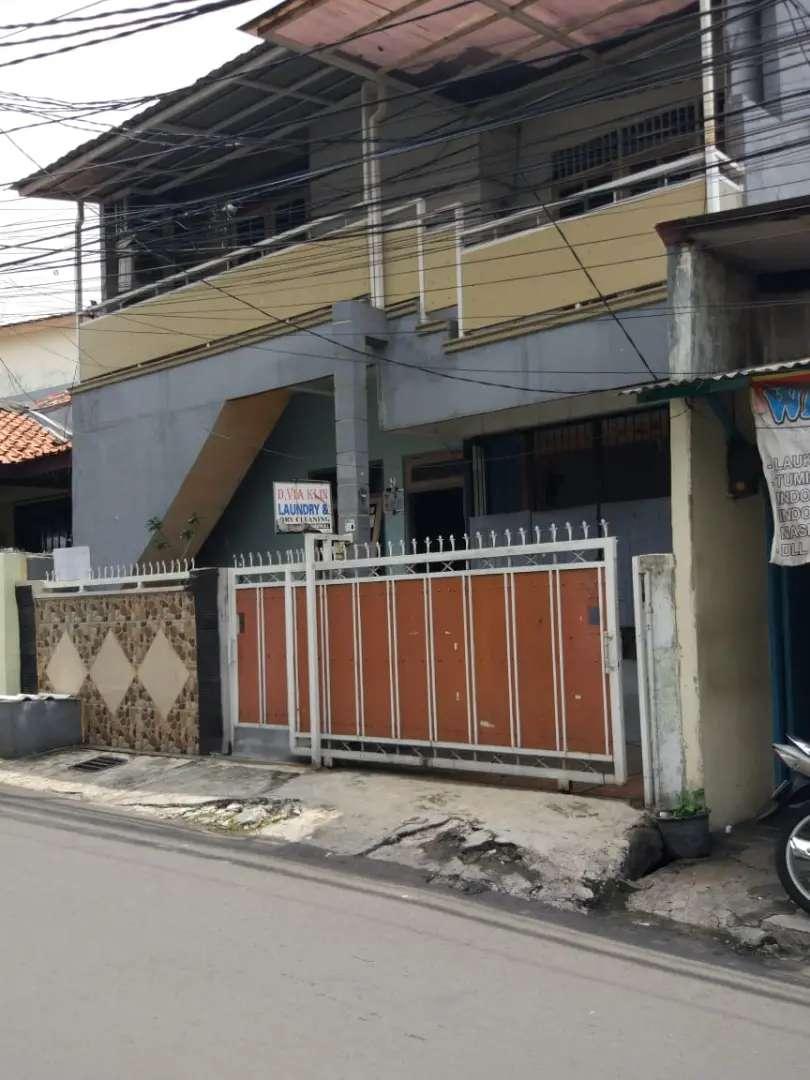 Disewakan Rumah 2 lantai daerah tebet ( no nego) 0