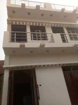 Selling houses at balaganj in Lucknow behind Charak Hospital in almas