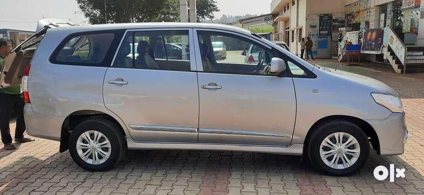 Toyota Innova 2015 Diesel 306000 Km Driven