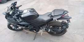 YAMAHA R15 V3 in exceptional condition.