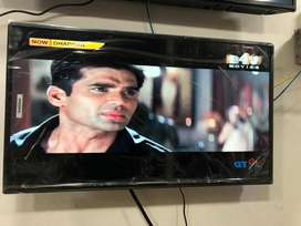 """Offer of the month 32"""" Brand new Led tv smart and non smart"""