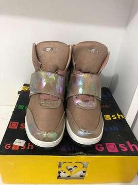 Sepatu merk gosh