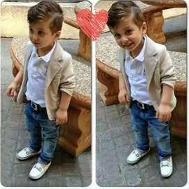 Stelan kemeja dan celana jeans anak laki-laki