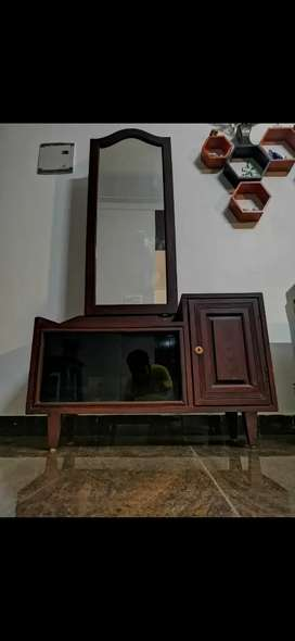 Used Dressing Table