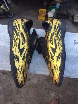 Sepatu futsal specs Illuzion size 42 baru