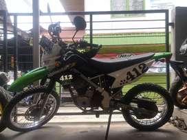 Kawasaki KLX 150 2014 melayani kredit