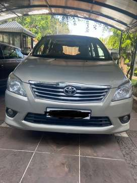 Toyota Innova VX 2012 Diesel Well Maintained Family Driven car