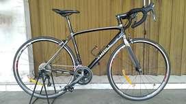 Roadbike Thrill Ardent 1.0 LIKE NEW