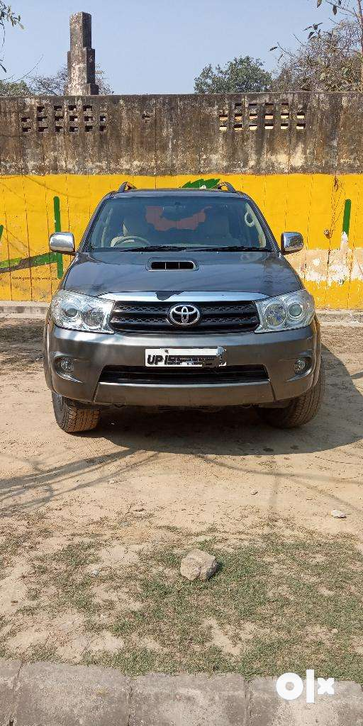 Toyota Fortuner 3.0 4x4 Manual, 2011, Diesel 0