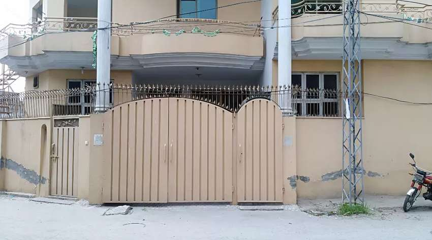 10 marla double storey house for sale  (1km ring road near canal)