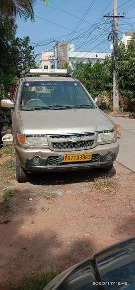 Chevrolet Tavera Neo 2012