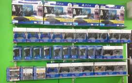 Ps3, Ps4, Ps2, Xbox 360,Xbox 1 Controllers available