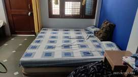 Double bed king size for sale