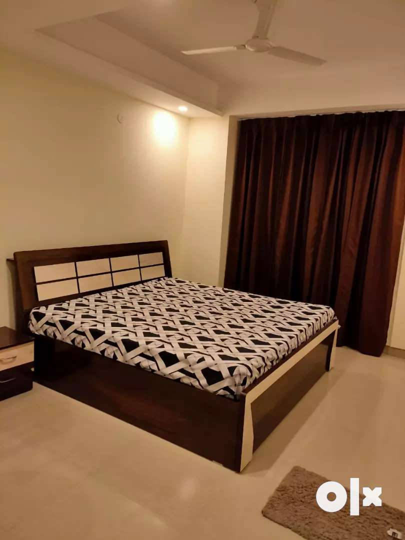 Fully furnished studio apartment 0