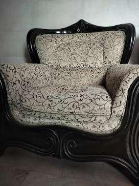 Single sofa 2500