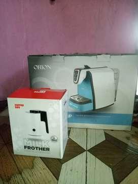 Coffee machine with milik forther
