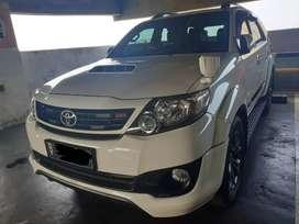 Total DP MURAH!!Toyota FORTUNER VNT TRD A/T Tahun 2013 Putih