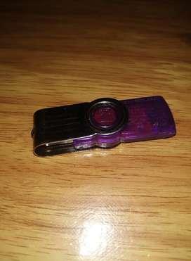 --FLASHDISK 4 GB --