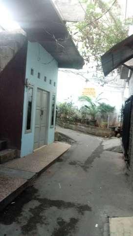 Dikontrakan 1 rumah tidak banjir di daerah strategis di daerah mampang