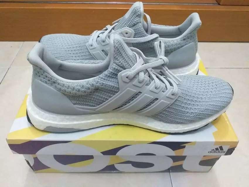 Jual butuh Sepatu Running Adidas Ultra boost Ori 0