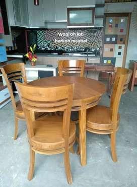Meja makan minimalis bundar kursi 4, bahan kayu jati tua terbaik