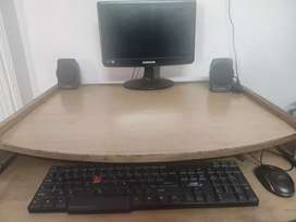 Computer and computer table set
