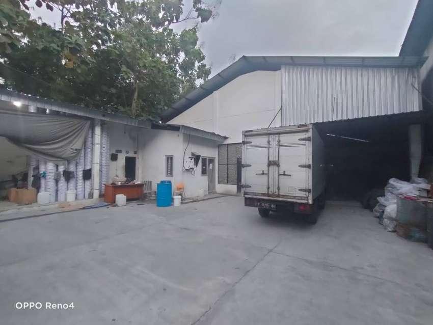 Gudang dan kantor dijual di bangunjiwo