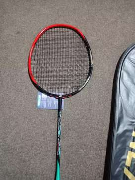 Yonex badminton racket Composites for salee
