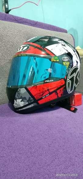 Helm full face KYT R10