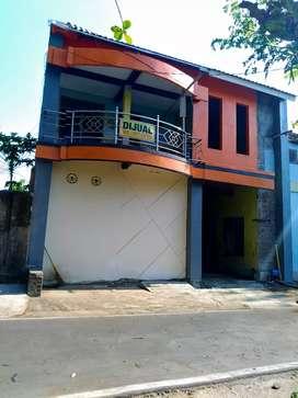 Rumah 2 lantai murah dalam kota