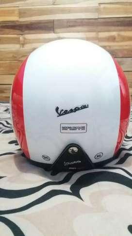 Helm vespa original,ukuran xl