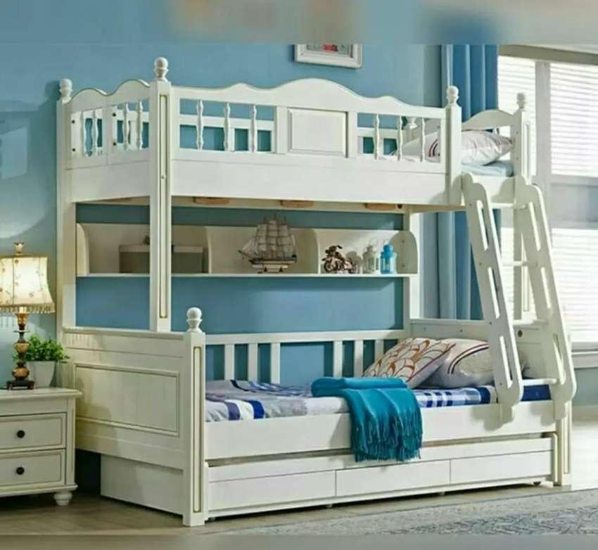 Tempat tidur tingkat berkualitas dengan harga bersahabat 0