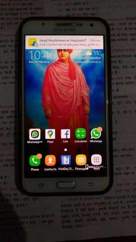 Galaxy j7 smart fone