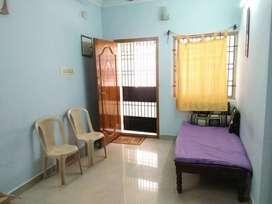 No brokerage - 2bhk flat for rent in Medavakkam-