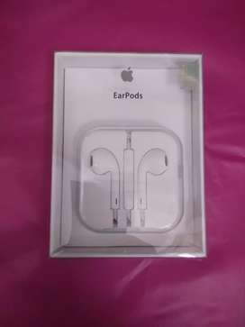 earpods iphone 5,6,6+  original ( mic, tombol volume OK )