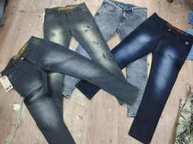 100 pcs jeans 28000 rs only