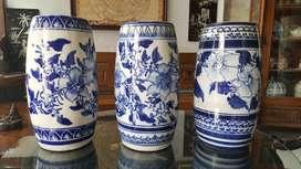 Sepaket Guci Keramik Biru Motif Bunga
